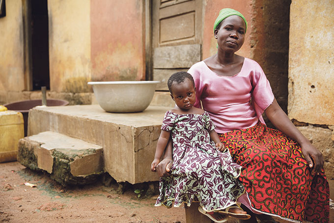 Pandemiak emakumeen genitalen mutilazio kasuak biderkatu ditu