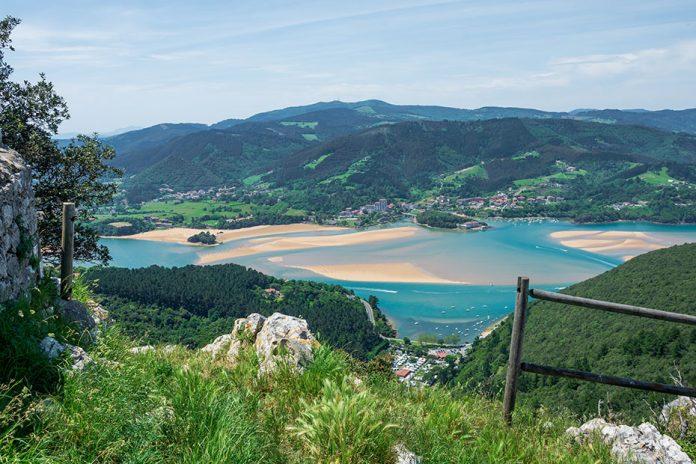 Urdaibai Euskadiko lehen turismo-helmuga iraunkorra